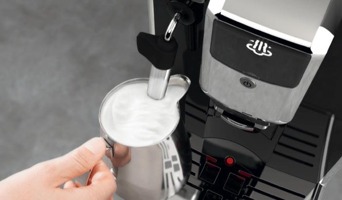 Philips EP5310/10 Milch aufschäumen