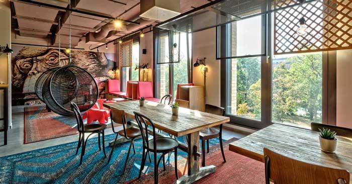 Aufenthaltsraum Meininger Hotel Berlin Tiergarten