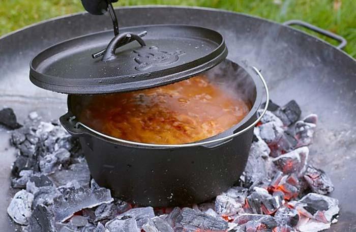 El Fuego Dutch Oven auf Feuerstelle