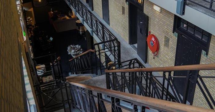Gefängnishotel Treppe