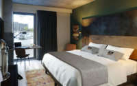 the niu Fender Hotel