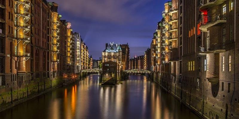 Lichterfahrt im Hamburger Hafen