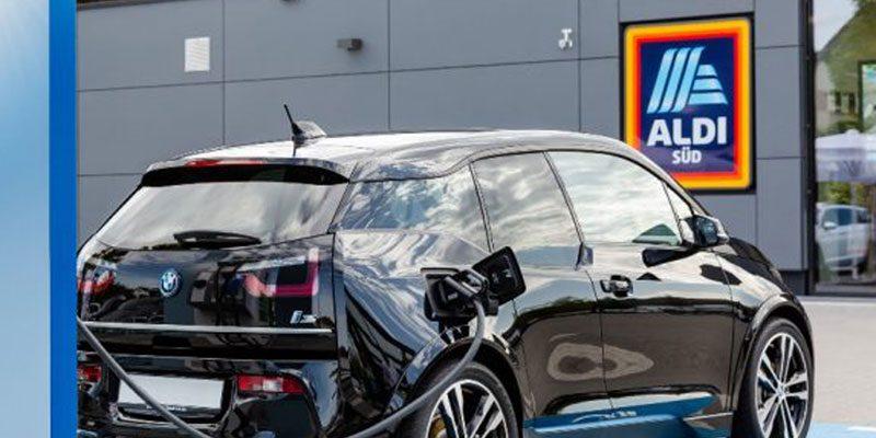 ALDI Elektrotankstellen: Kostenlos Strom tanken an über 90 Supermärkten (bis zu 150 kW)