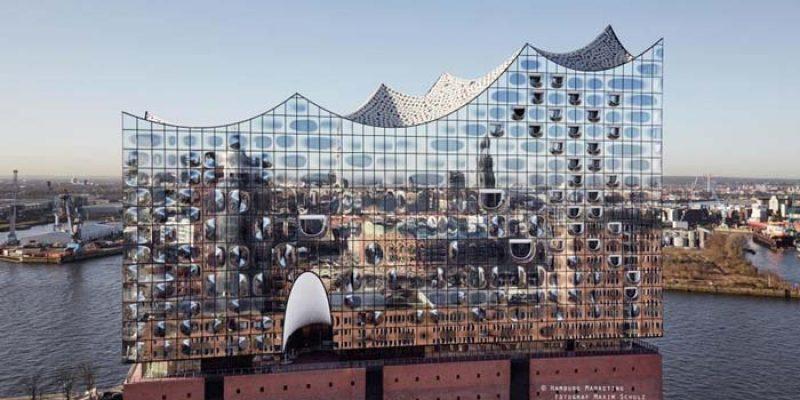 Übernachtung im 4-Sterne Hotel + Elbphilharmonie Führung ab 118€