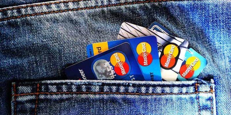 Übersicht: Die besten kostenlosen Kreditkarten – auch zum Reisen